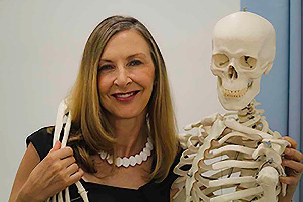 Dr Linda Thomas