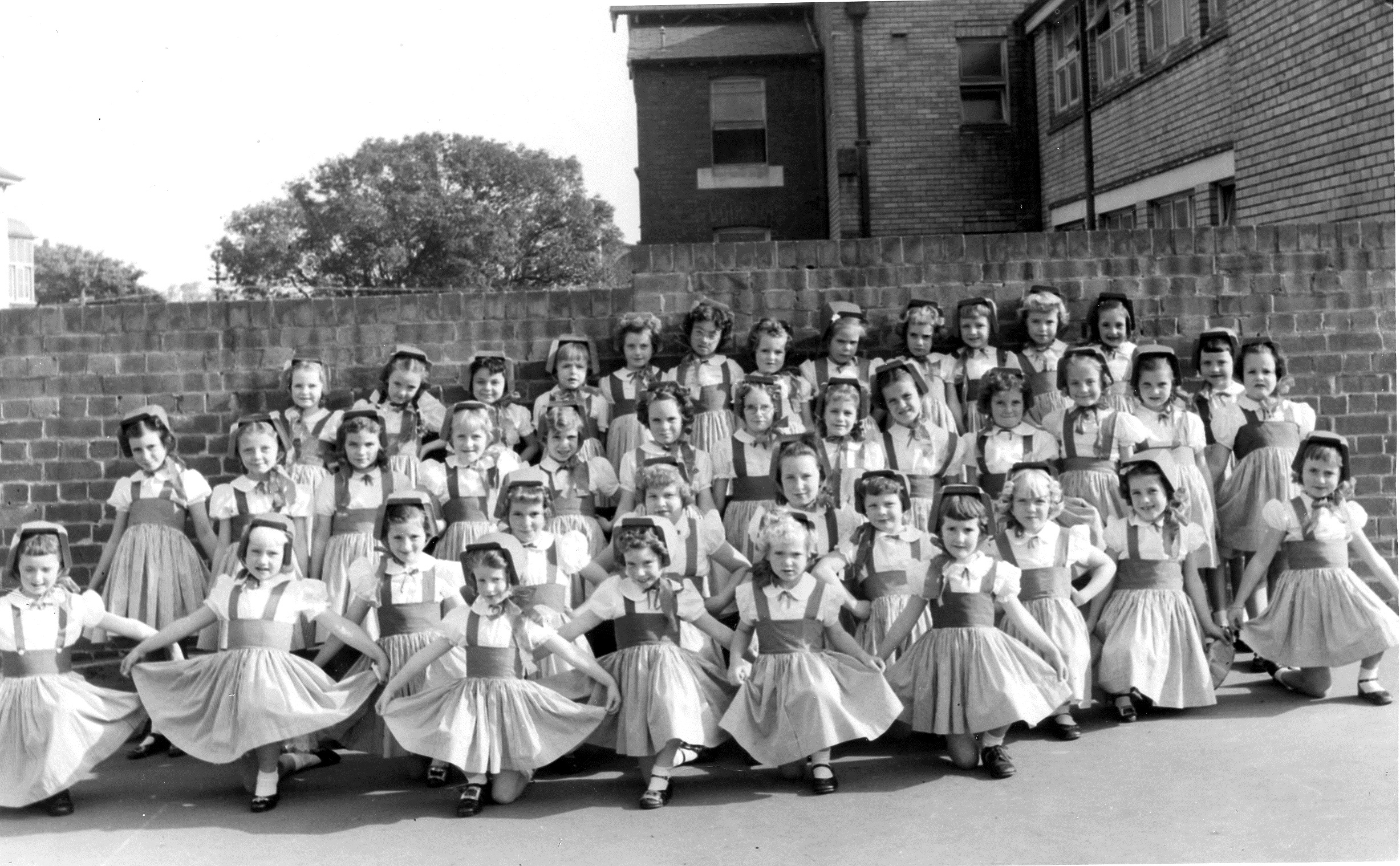 St James Catholic Primary School Forest Lodge Year 4 pupils in 1956