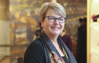 Sharon Seymour reviews books for the Children's Book Council of Australia.